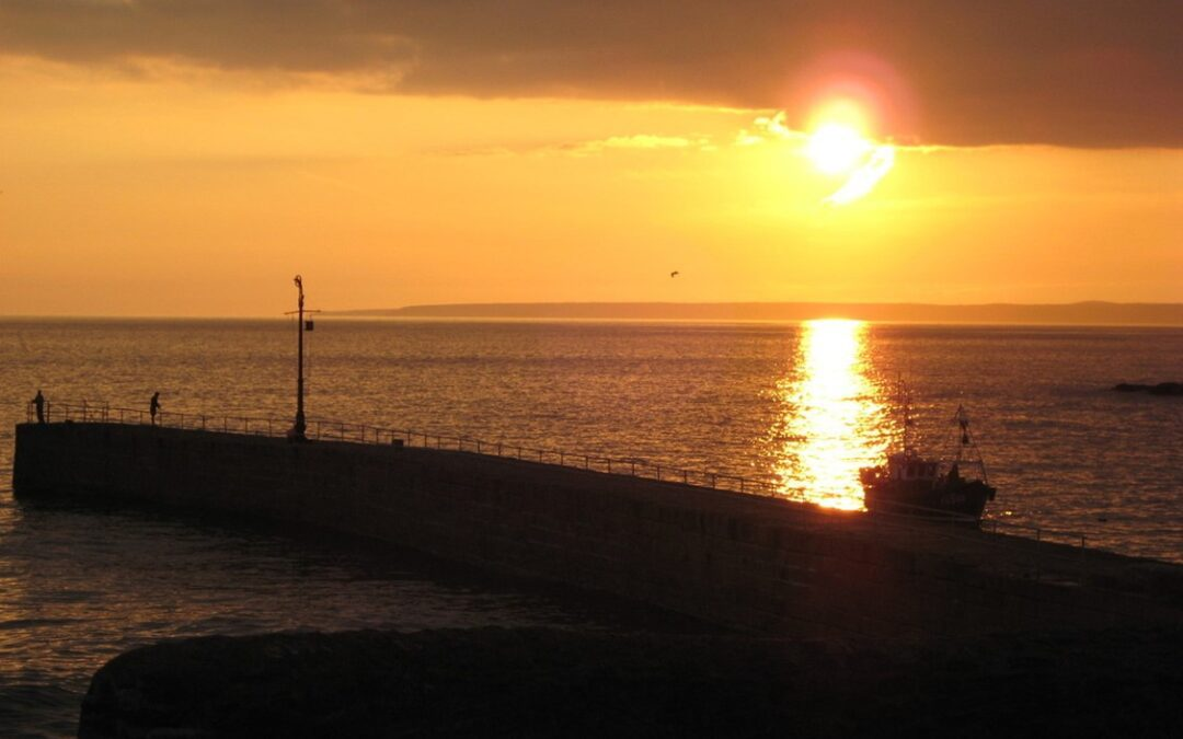 An-Insiders-Guide-to-Cornwall-sunset-Cornish-Motorhome-Hire